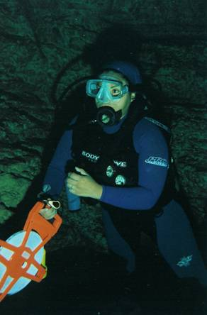 Photo 12. Victoria Rojas during the course of underwater archaeology methods and techniques.